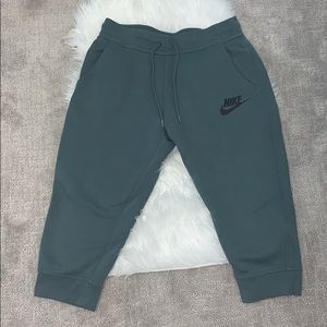 Nike cropped sweatpants